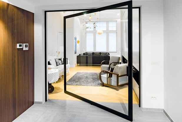 Маятниковые стеклянные двери 4