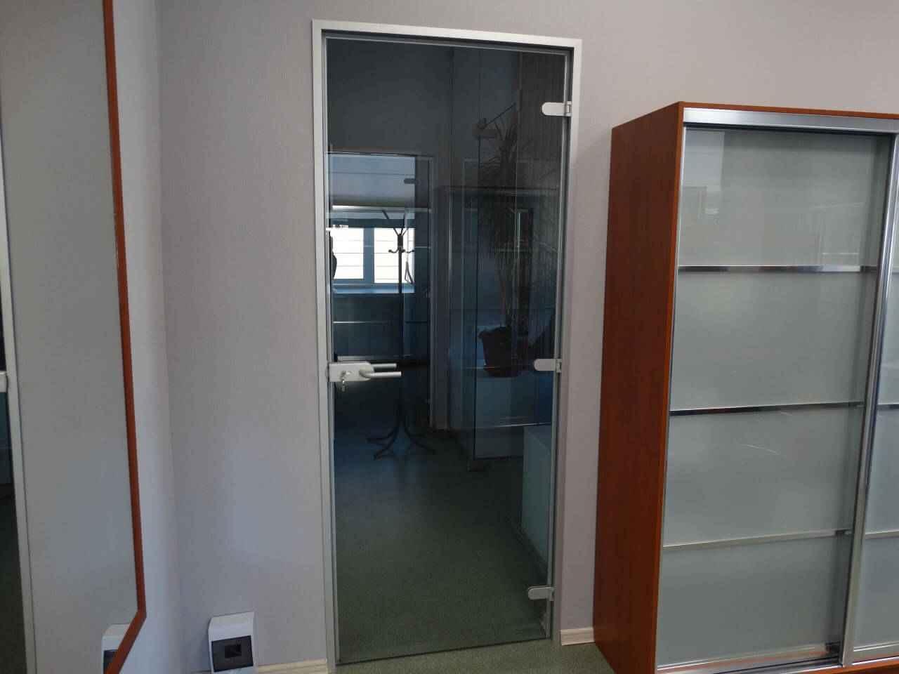 стеклянные двери 10