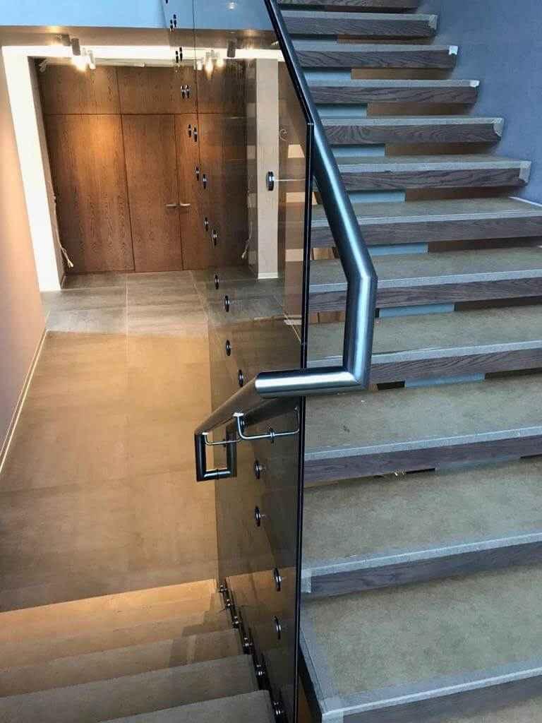 Стеклянная Лестница 112
