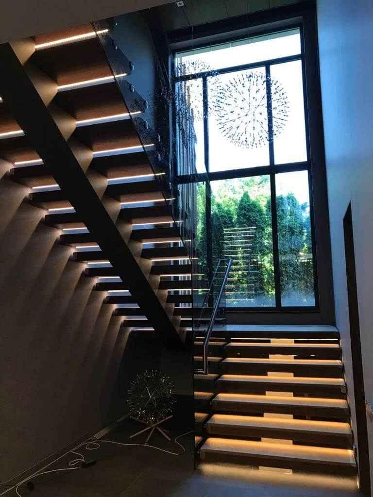 Стеклянная Лестница 113