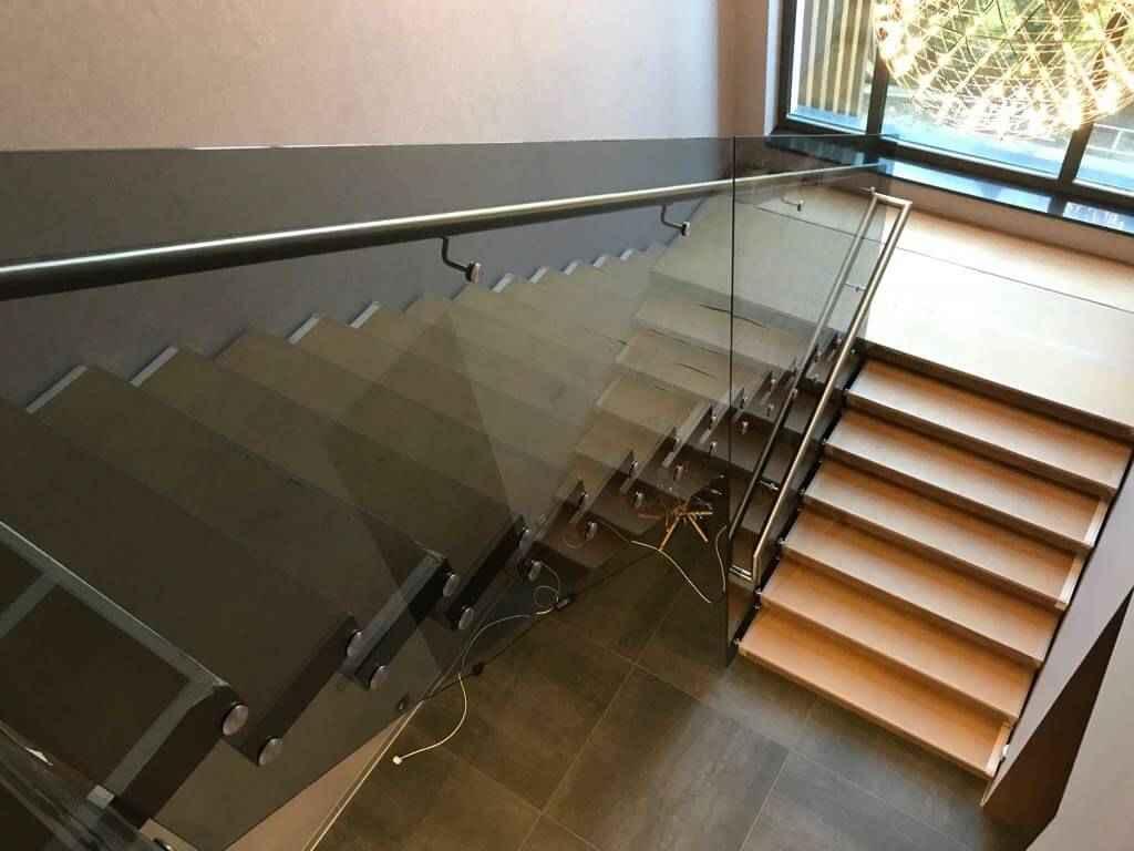 Стеклянная Лестница 119