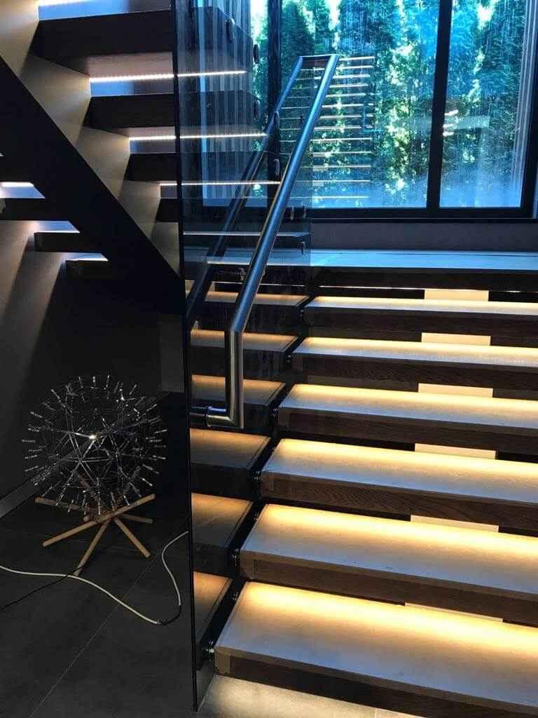 Стеклянная Лестница 121