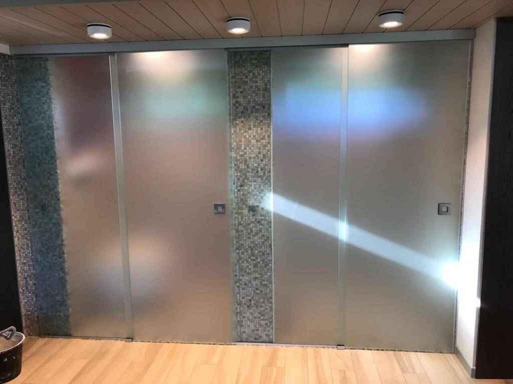 Стеклянные душевые двери 4