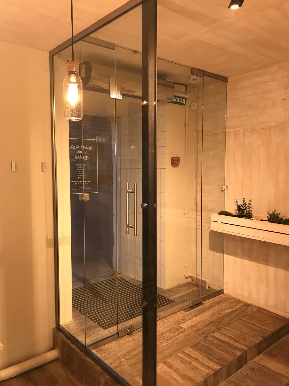 стеклянная дверь 003