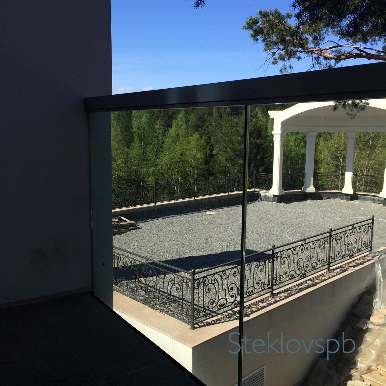 Ограждение балкона в коттеджном посёлке